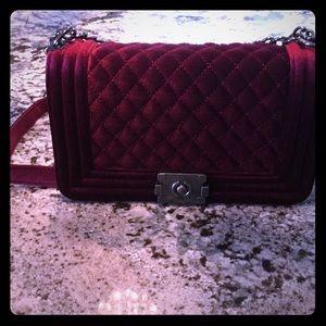 Handbags - NWT Velvet fashion crossbody bag